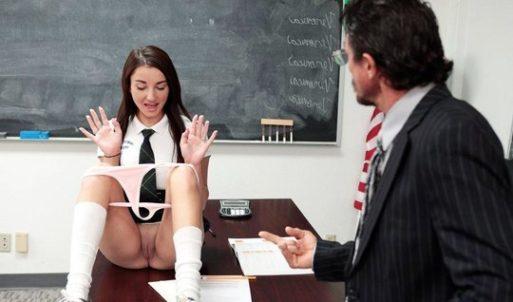 Liseli 18+ Genç Kızı Öğretmeni Sikiyor